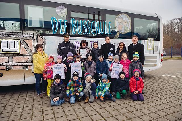 Die Busschule mit Ida & Tim