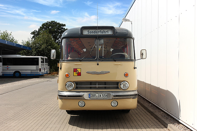 ikarus ausstattung oldtimer mieten mietbus rebus regionalbus rostock gmbh aus g strow. Black Bedroom Furniture Sets. Home Design Ideas